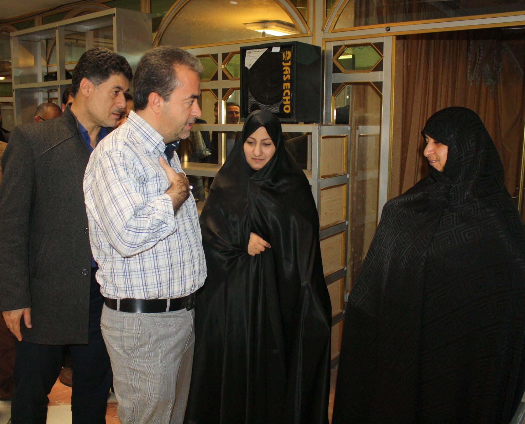 تجلیل و قدردانی شهردار ورامین از خانواده شهید علی تاجیک+گزارش تصویری