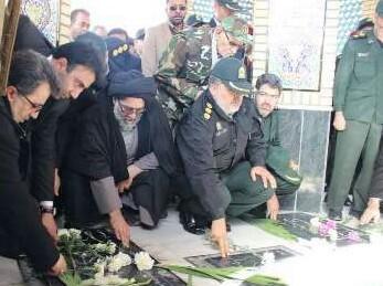 گلزار شهدای شهرستان ورامین گلباران شد