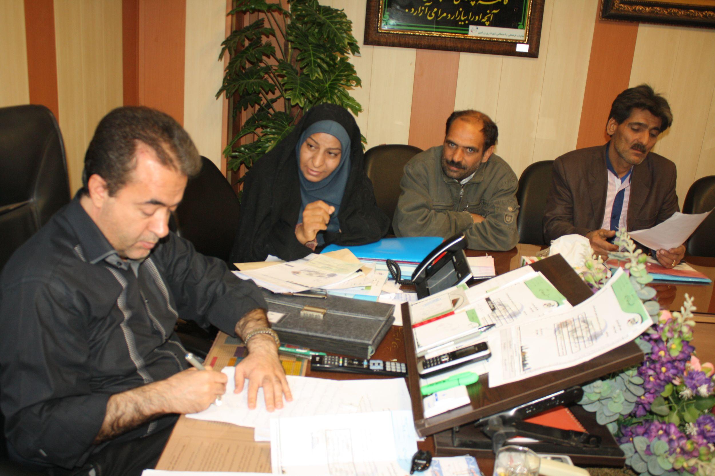ملاقات مردمی شهردار ورامین با شهروندان  برگزار شد