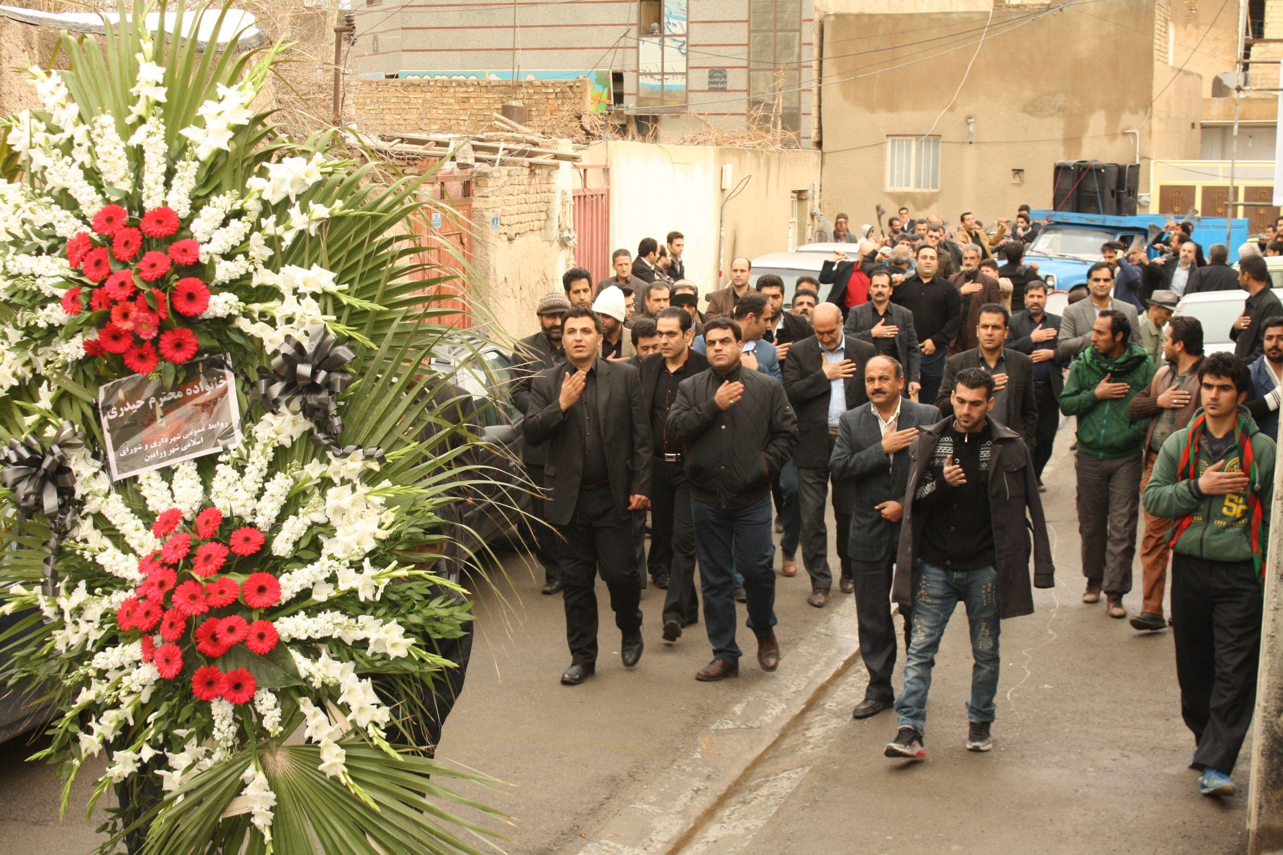 عزا داری و سینه زنی کارکنان شهرداری ورامین در ماتم همکار از دست رفتهمرحوم صمد حیدری