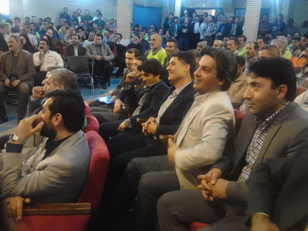 مراسم تجلیل از مقام کارگر در شهرداری ورامین برگزار شد