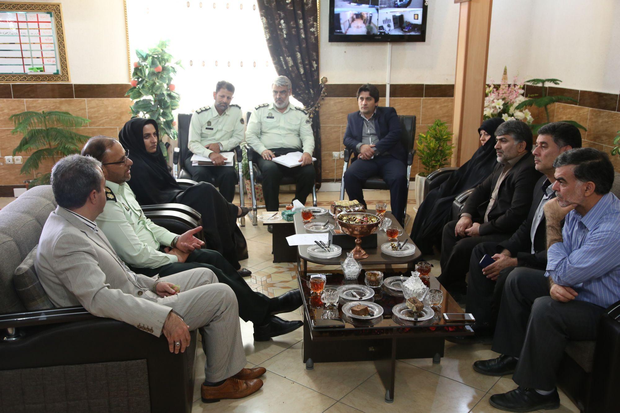 دیدار شهردار و رئیس و اعضای شورای شهر ورامین با فرماندهی نیروی انتظامی شرق استان تهران